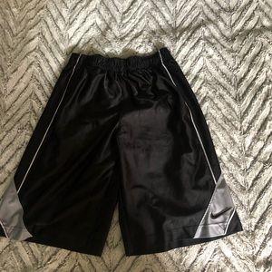 Boys Large Nike Basketball Shorts